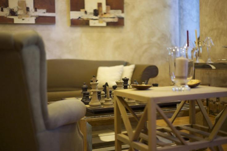 armchair-2872925_1920.jpg